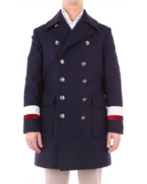 Modrý kabát Asfalto