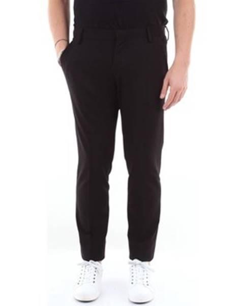 Čierny oblek Entre Amis