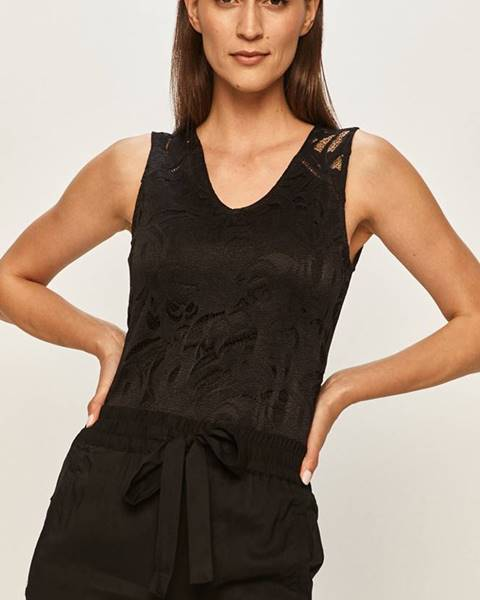Čierne tričko Vila