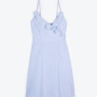 Prúžkované šaty s volánmi